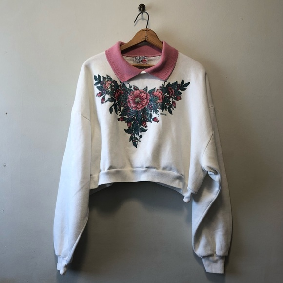Vintage Tops - White Crop Floral Collared Sweater